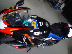 Buddyseat Motorzadel Aprillia Mille R Colin Edwards replica