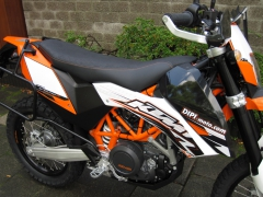 Motorzadel KTM 690 R